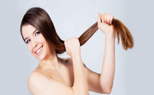 Θέλεις δυνατότερα και ομορφότερα μαλλιά; Δοκίμασε αυτές τις 7 συμβουλές